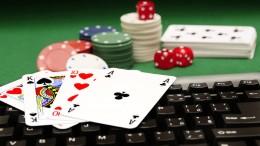 Main-Game-Kartu-Poker-Online-Itu-Menyenangkan-864x520