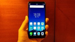 Vivo V7 , OUKITEL K8000 , UMIDIGI S2 Pro - обзор лучших смартфонов недели