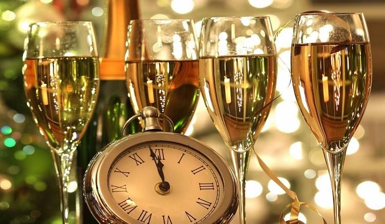 Почему Новый год встречают шампанским - откуда появилась традиция