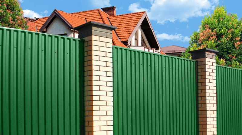Забор из профнастила в Нижегородской и Владимирской области - покупка и установка