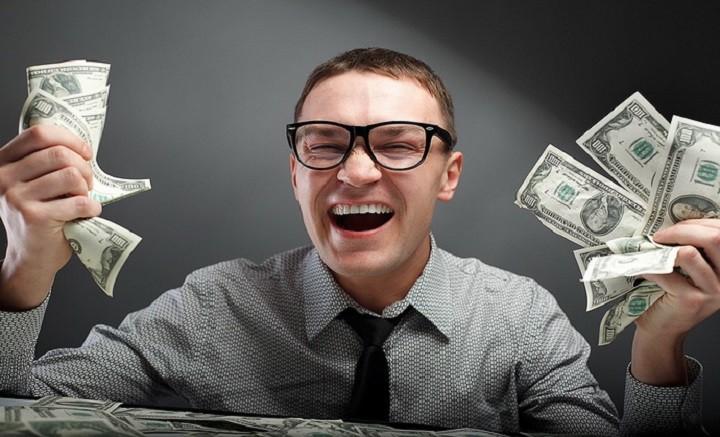 Что заставляет людей тратить кучу денег на вещи которые могут стоить гораздо меньше