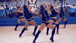 Чьи попы лучше? Россиянки и американки исполняют откровенные танцы