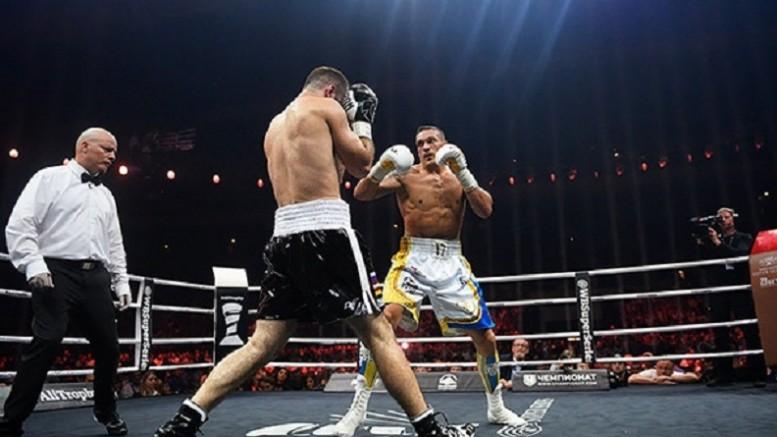 Александр Усик победил Мурата Гассиева и стал абсолютным чемпионом мира