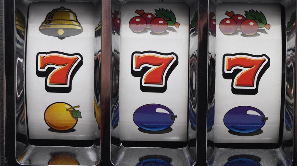 Как научиться играть в игровые автоматы и получить возможность словить удачу