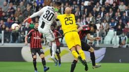 Серия 31-й тур. Ювентус победил Милан, Рома справилась с Сампдорией