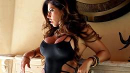 Кармен Ортега радует общественность здоровенной грудью (24 фото)