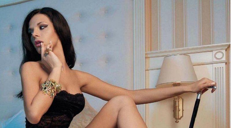 Аппетитная Катя Захарова в фотосессии Playboy раскрыла весь свой потенциал (18 фото)