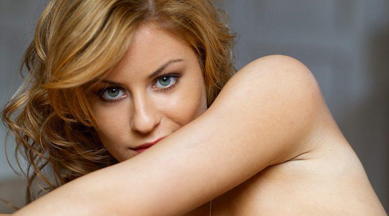 Кристин Ласт разделась для Playboy и показала предельно горячий контент (10 фото)