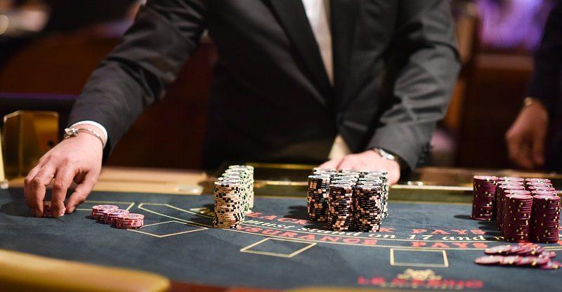Как заработать в Казахстане на использовании Рокс казино