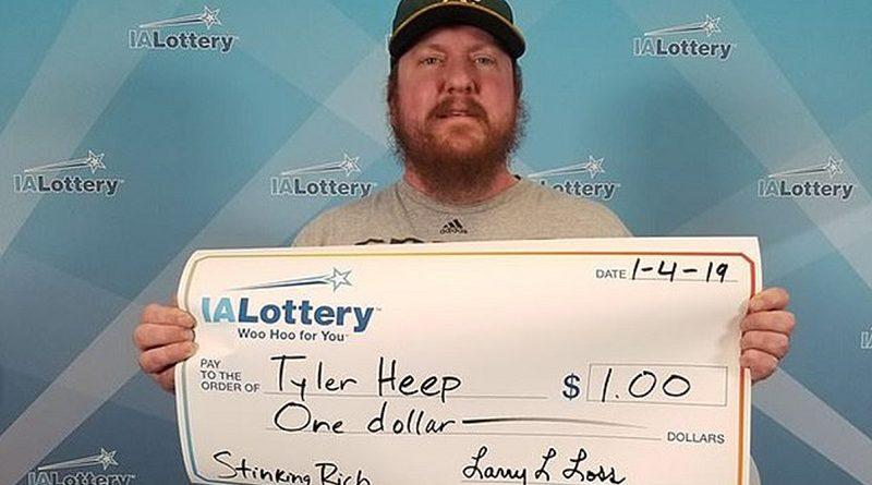 Американец Тайлер Хип выиграл свой первый доллар в лотерею и заказал чек