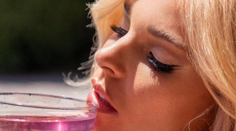 Али Шанель и Джессика Лавсон засветили голые формы в Playboy (40 фото)