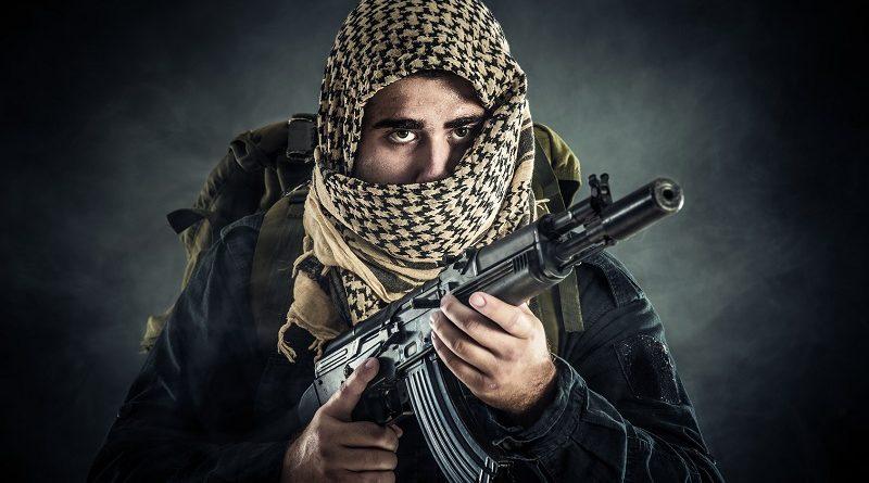 Загадка про террориста и два парашюта. Попробуйте понять логику боевика