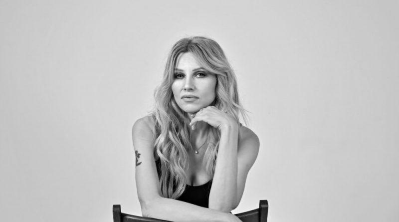 Ирина Нельсон отметилась в нескольких горячих проектах (66 фото)