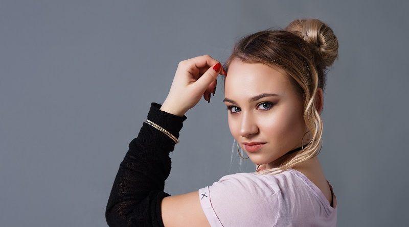 Певица Алиса Рудэн любительница откровенных селфи (46 фото)