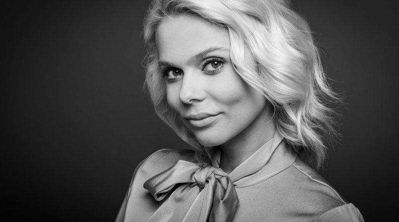 Голая Ксения Новикова из Блестящие 44 фото горячие и слив